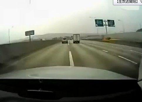 【閲覧注意】 予想できない凄惨な交通事故 【車載動画】