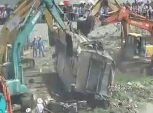 中国高速鉄道脱線衝突