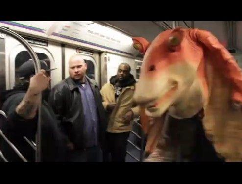 地下鉄で乗客に絡んだらフルボッコにされたの巻