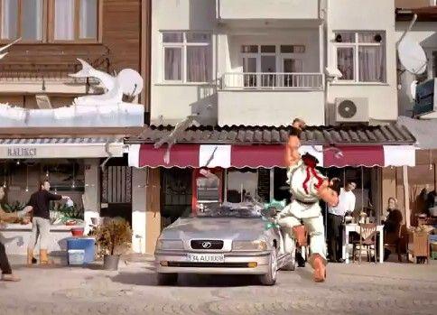 【海外CM】トルコの自動車保険CMにスト2のリュウ乱入