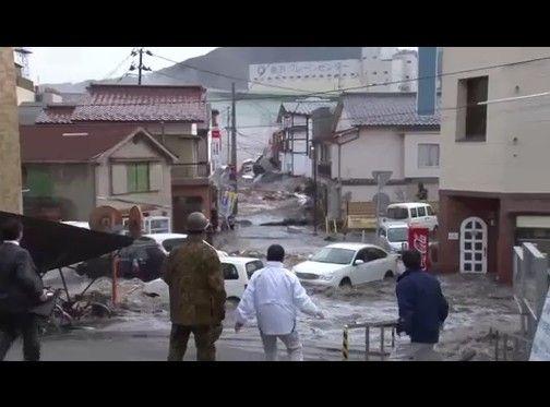 釜石市役所に襲来した津波