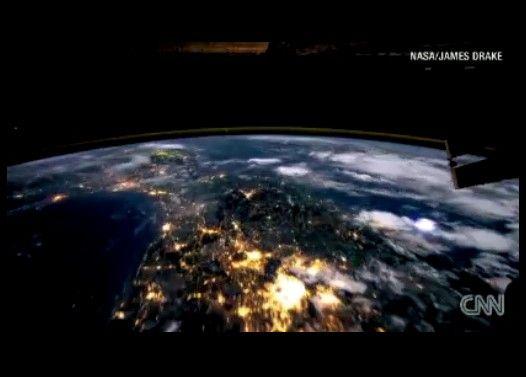 国際宇宙ステーションから見た地球