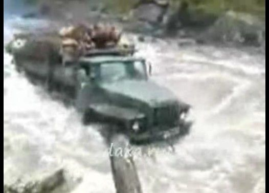 ロシアのトラックが凄すぎる