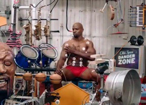 筋肉の動きだけで楽器を演奏するおっさんがヤバい