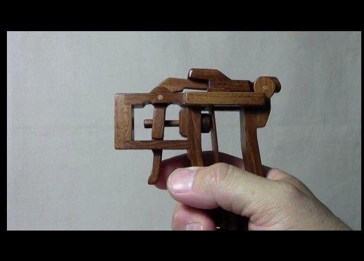 木の板バネ銃2010