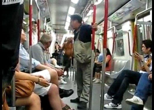 電車で西洋人に喧嘩を売る中国人