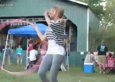 SEXYガールのフラフープダンス