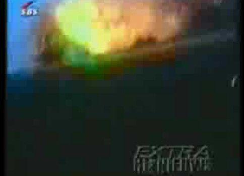 【衝撃映像】地獄の花火大会(花火工場での火災?)