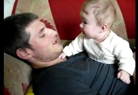 空飛ぶ赤ちゃんが可愛すぎる