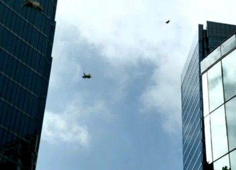 「シロクマが空から降ってくる」不気味すぎるコマーシャル