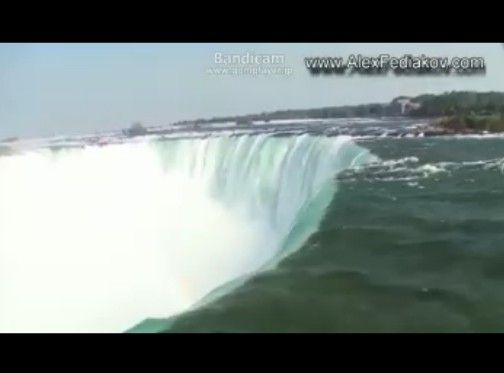ナイアガラの滝で