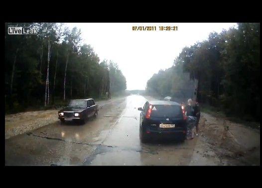 【車載動画】 もう少しで大惨事の事故に