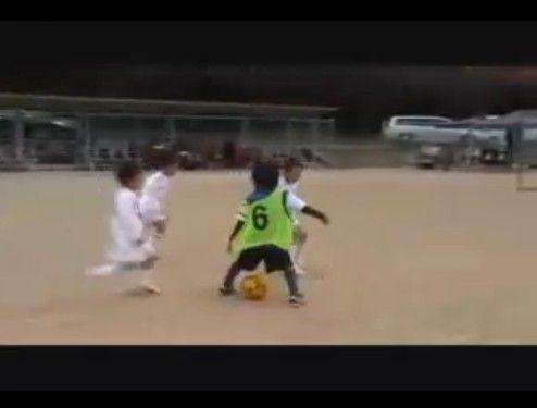 小1天才サッカー少年