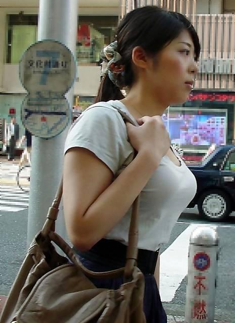 【シコ画像】このエッチなおばさんと一晩セックスできる権利→何万払う????