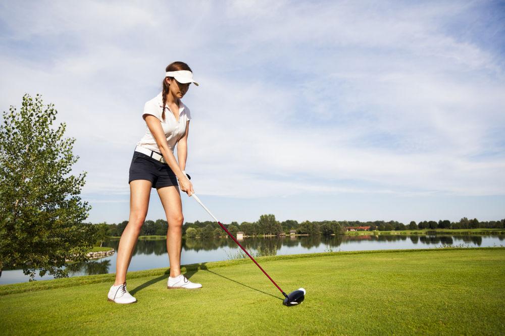 真っすぐ飛ばすゴルフスイングを習得するゴルフレッスン