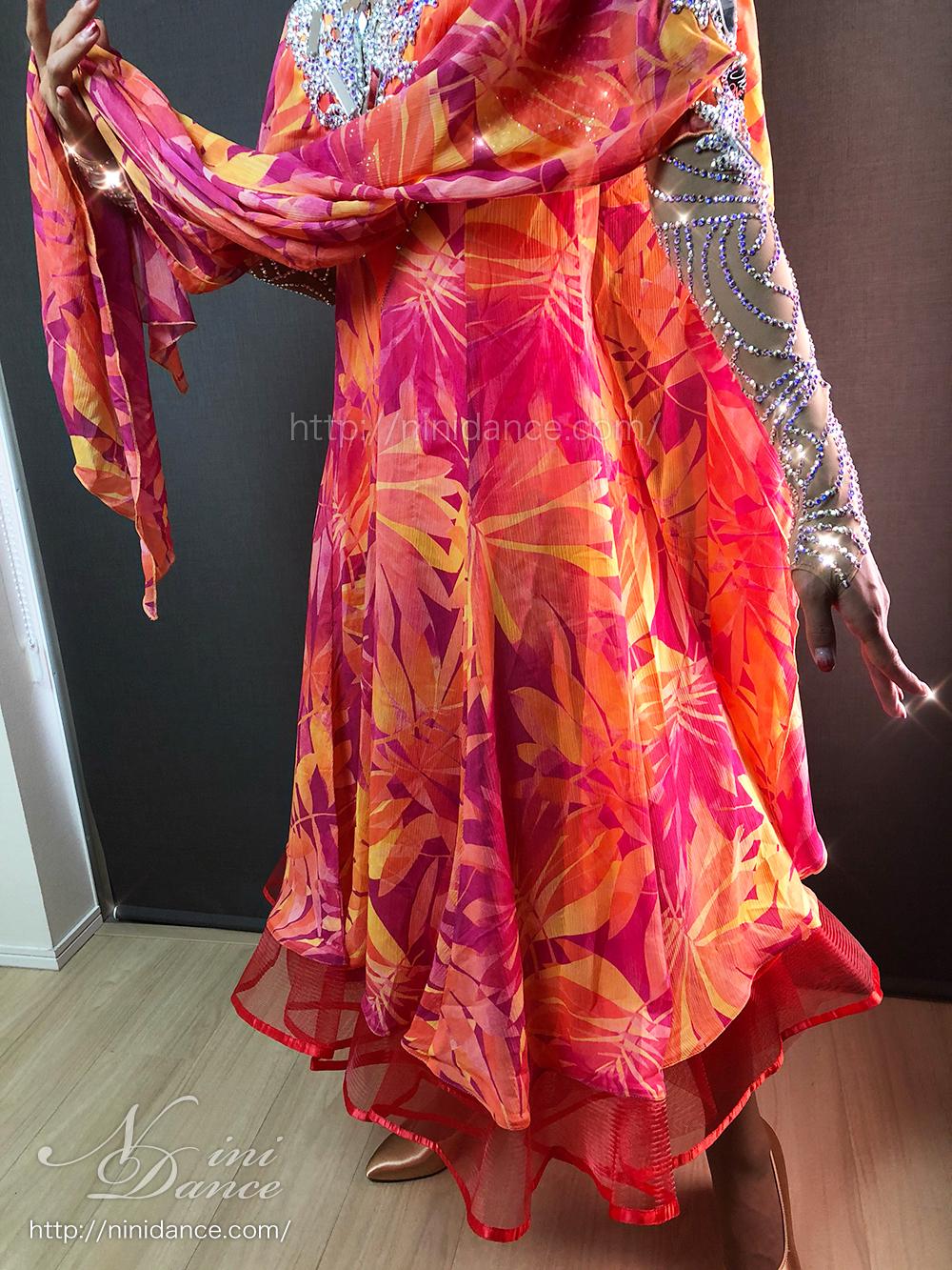 c9757e259de3d nini nini. 13 subscribers. Subscribe · D765紅葉色彩のオーラで魅せる秋風情のモダンドレス