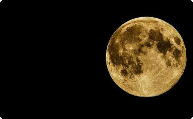 月-【ゾッとする話】じゃあ一体誰が電話に出たの…