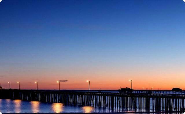 夕方、桟橋