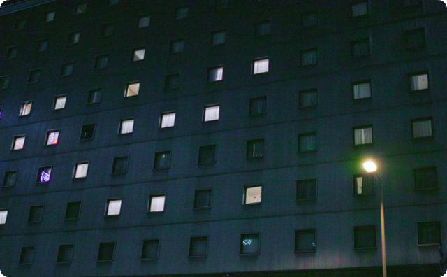 オフィス、夜