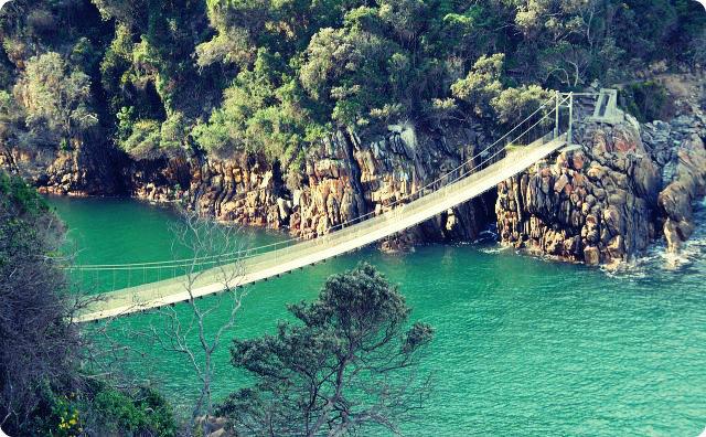 心霊スポット-山-橋-その人は俺たちが見てる目の前で・・・