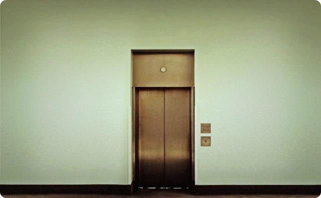 エレベーター、怖い体験