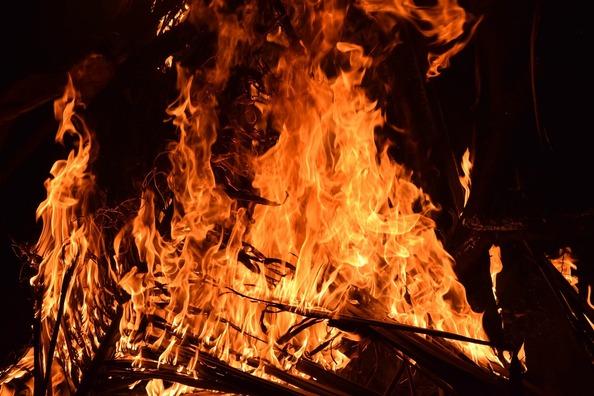 fire-2197606_1920 (1)