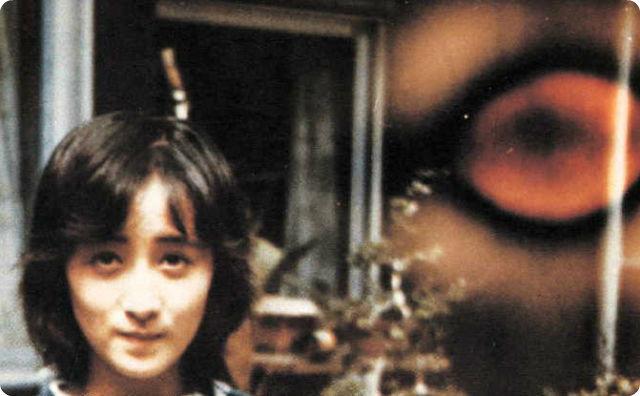 テレビを見てると緊急速報で岡田有希子さんが自殺した