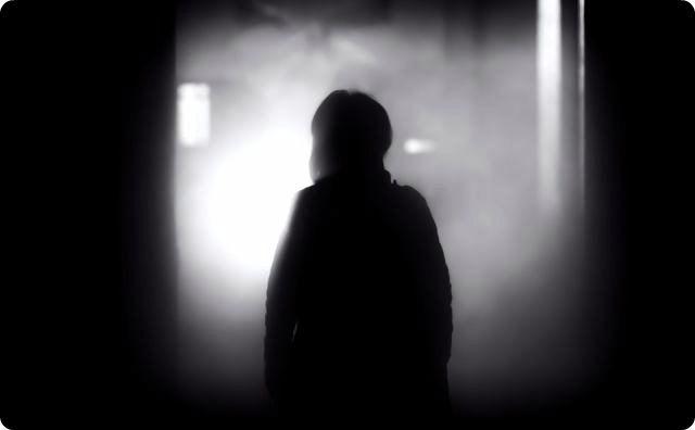 夜道、人間、怖い