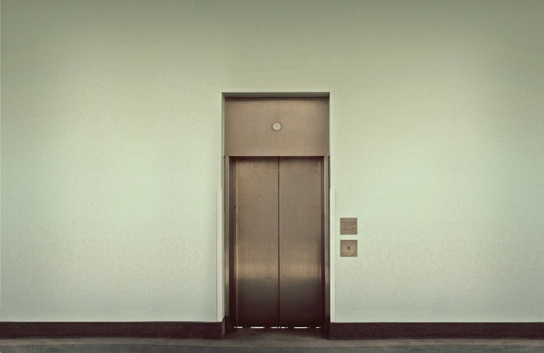 elevator-495231_1920