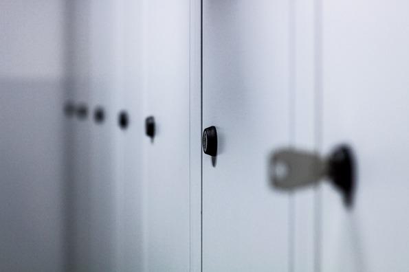 lockers-932113_960_720