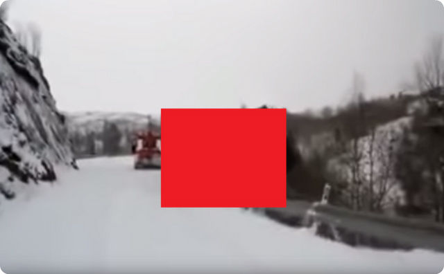 youtube,雪道、トラック、転落