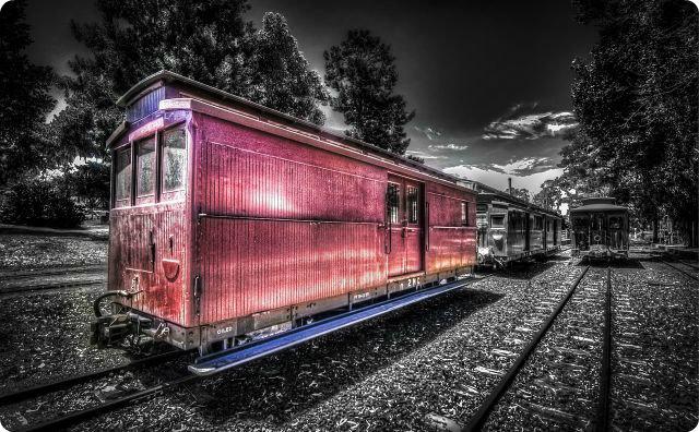 廃列車-ライダーハウスでえらい目に遭った話。
