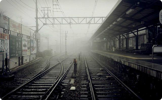 不気味な駅