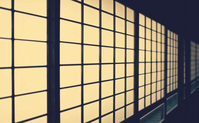 【洒落怖】仏壇から覗く目