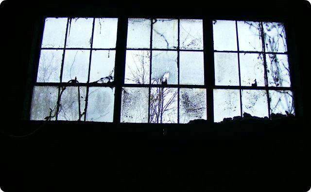 窓ガラス-診療所-怖い話