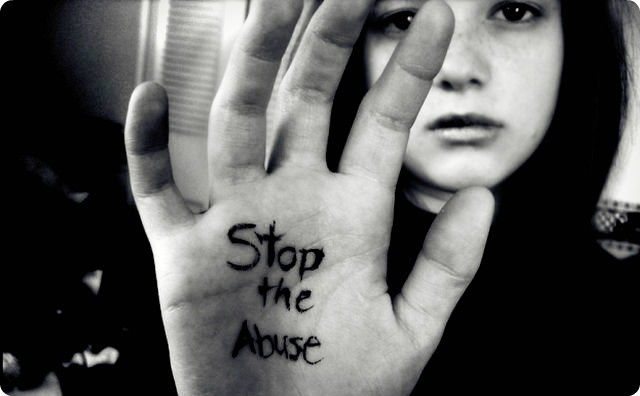虐待、子供