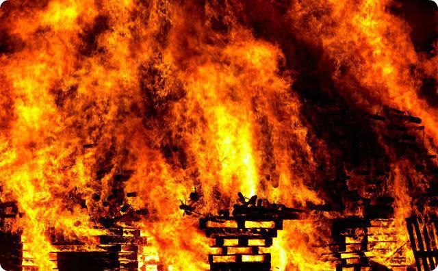 炎-火事-無線-不気味な話