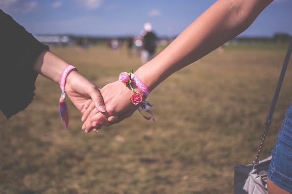 couple-2594749_960_720