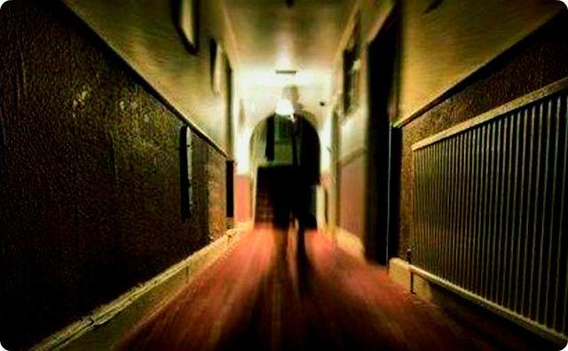 ホテル、幽霊