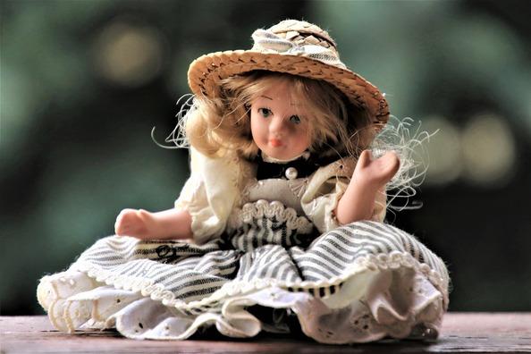 doll-4061815_1920