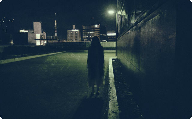 夜道、幽霊