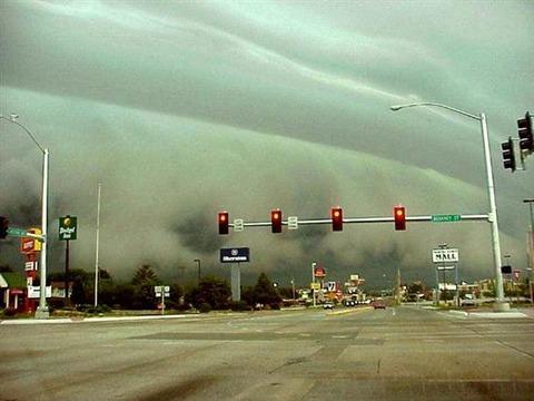 Shelf-Clouds-1