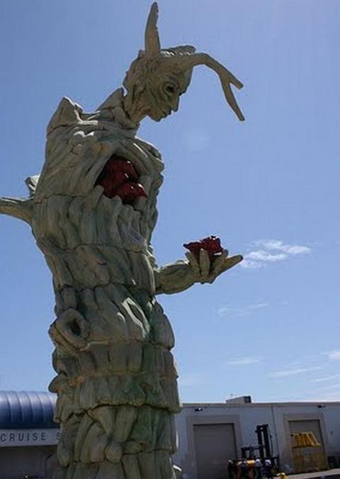 20-craziest-sculptures19