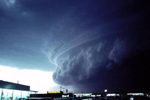 Shelf-Clouds-2