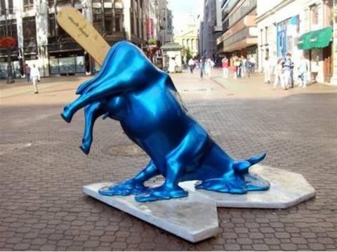 20-craziest-sculptures11