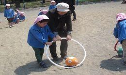 ボール運び競争