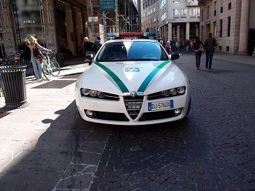 ミラノ市警パトカー