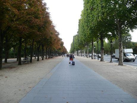 シャンゼリゼ通りの秋