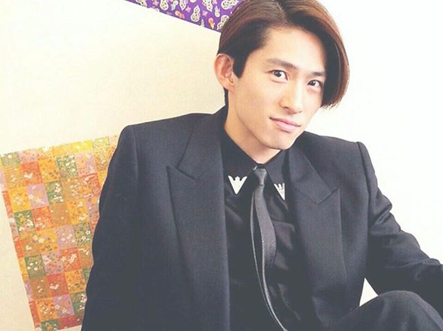 デート姿をキャッチ『V6』三宅健&美人ハーフモデルの「婚前愛」