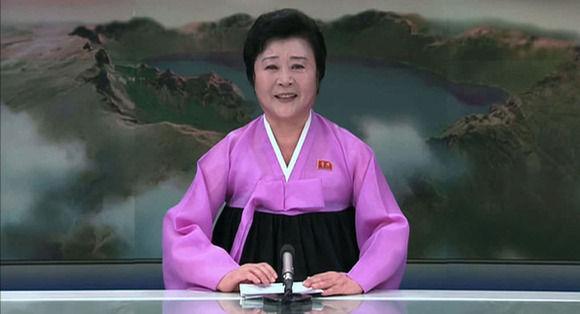 【悲報】北朝鮮のピンクレディこと人気女子アナが引退